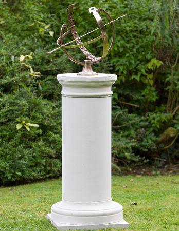 https://www.chilstone.com/garden-ornaments-pedestals/french-pedestal