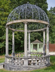 Ionic stone garden temple by Chilstone