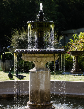 https://www.chilstone.com/garden-ornaments-fountains/bambury-fountain