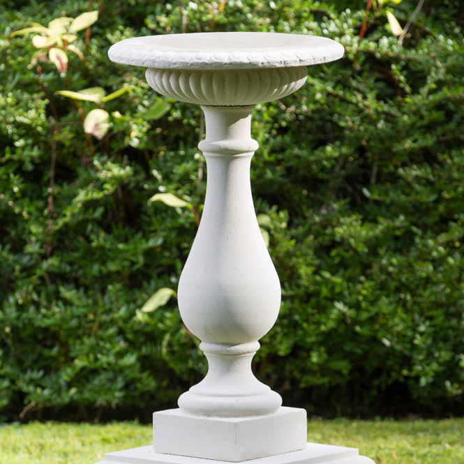https://www.chilstone.com/garden-ornaments-birdbaths-and-birdtables/sands-of-time-birdbath