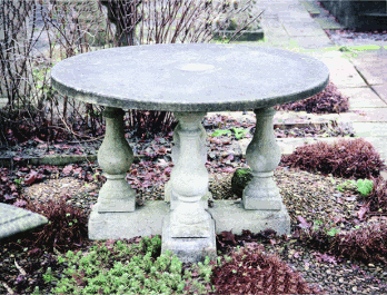 Chilstone Round Table
