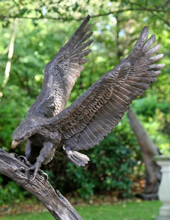 https://www.chilstone.com/garden-ornaments-category/bronze-eagle-sculpture-aquila