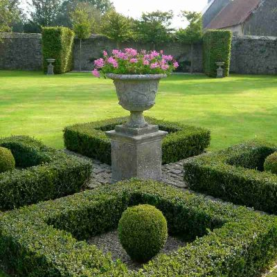 65 Day Sale – It's The Final Countdown! 20% discount across stone garden ornaments and finials