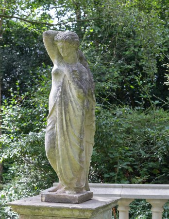 https://www.chilstone.com/garden-ornaments-statues-and-sculptures/classical-figure