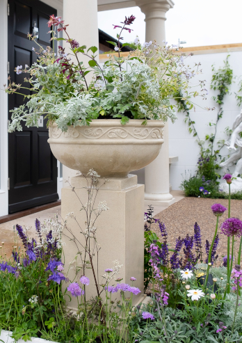 https://www.chilstone.com/garden-ornaments-category/hurlingham-cast-stone-planter-pedestal