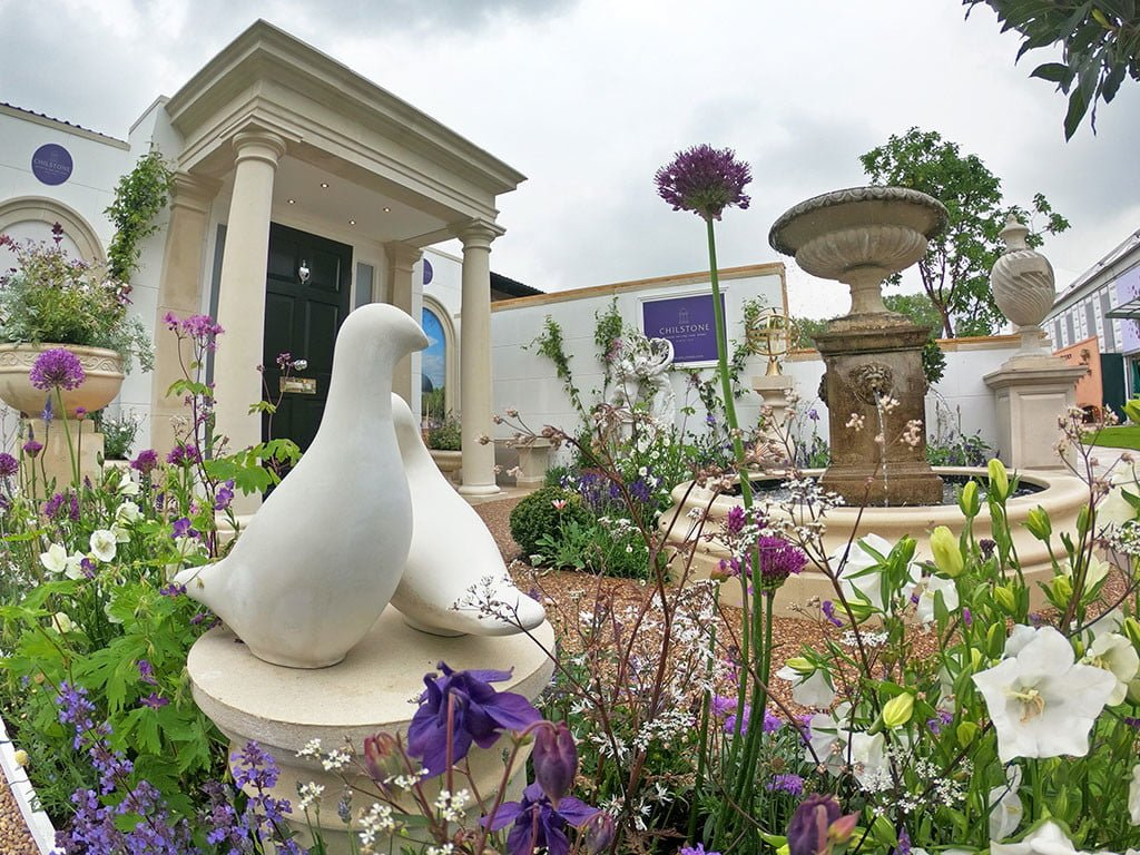 Dove sculpture on the Chilstone trade stand at Chelsea flower show