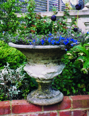 https://www.chilstone.com/garden-ornaments-category/kingston-vase