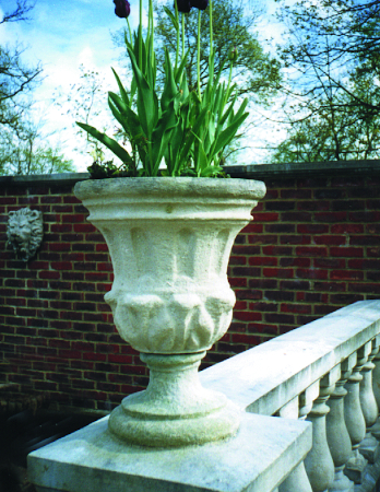 https://www.chilstone.com/garden-ornaments-category/tulip-urn